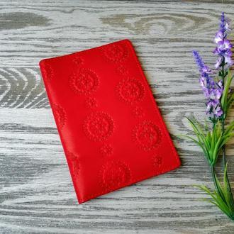Портмоне - обложка для паспорта , тревел-кейс, travel красные цветы