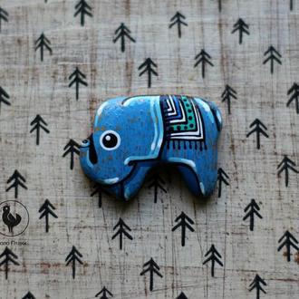 Брошь слон из дерева.роспись