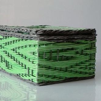 Плетеный короб из бумажной лозы.