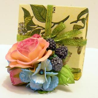 """Заколка- автомат """" Розовая мечта"""",  украшение ручной работы  с цветами из фоамирана."""