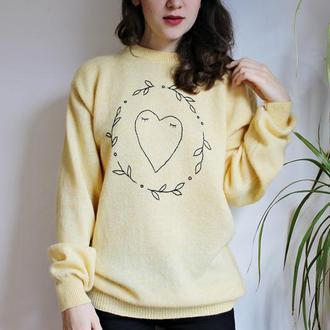 Теплий светр з ручною вишивкою