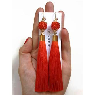 Длинные оранжевые сережки-кисточки с бисерными бусинами