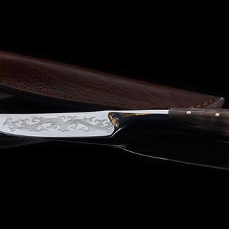Кований козацкий захалявний ніж з роговим руків'ям та гравіруванням