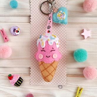 Брелок-мороженое