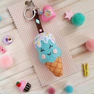 Брелок мороженое