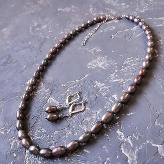 Комплект з натуральних срібно-сірих перлин бусы и серьги из жемчуга