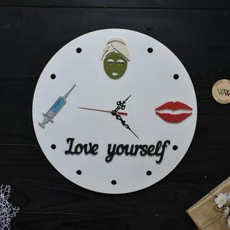 Настенные часы для косметолога / салона красоты, из дерева