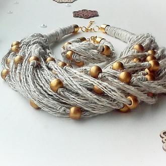 Комплект эко украшений из льна и деревянных бусин.