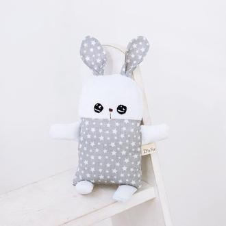 Мягкая игрушка текстильный плюшевый зайчик серый в звездочку