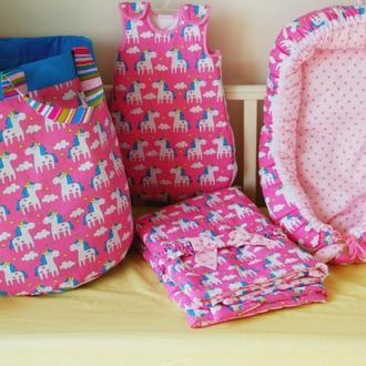 Комплект из 4х ед:детское одеяло-конверт, гнездышко, спальный мешочек и корзина для игрушек Unicorns