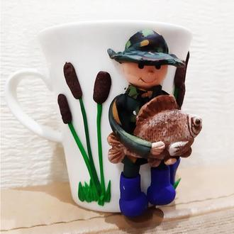 Сувенирная чашка в подарок для рыбака «Рожден для рыбалки»