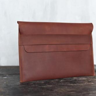 Кожаный чехол для ноутбука рыжего цвета