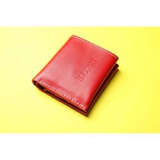 Компактный кошелек красного цвета