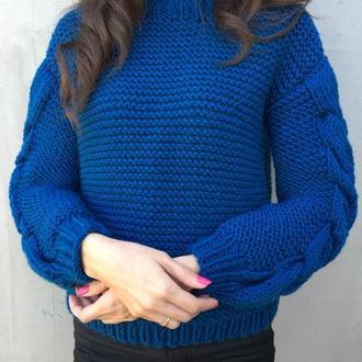 Пуловер спицами, крупной вязки