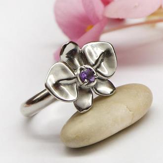 Серебряное кольцо Фаленопсис с аметистом и родированием