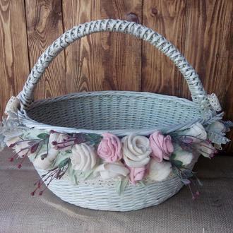 Плетеная  корзина с декором диаметр 40СМ