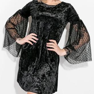Неординарное бархатное платье