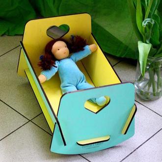 Кукольная кровать из дерева