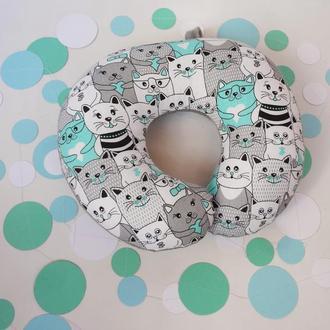 Подушка для путешествий - коты, подушка для шеи, дорожная подушка - коты, подушка на шею - котики