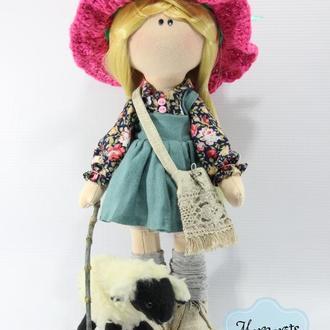 Интерьерная текстильная куколка Блондинка с овечкой