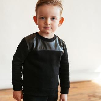 Детский черный костюм (брюки и свитшот с кожаной кокеткой)