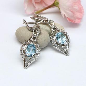 Серебряные серьги с натуральными голубыми топазами