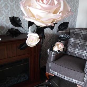 Торшер - роза из изолона