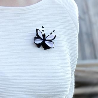 Черно-белая брошь бабочка, Канзаши, Оригинальный подарок