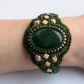 """Женский браслет на руку с малахитом """"Дыхание весны"""""""
