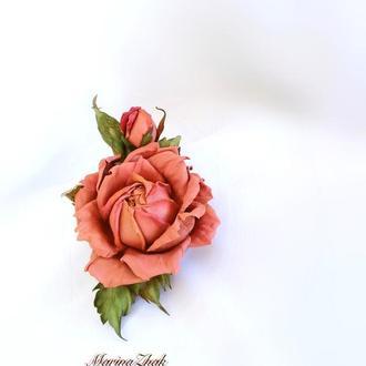 """Брошь из натуральной кожи   """"Коралловая роза с бутоном"""""""