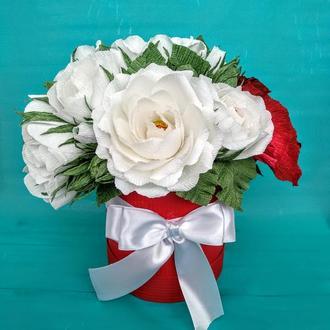 """Букет из конфет в шляпной коробке """" Розы и каллы"""""""