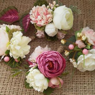 Комплект бутоньерок Бутоньерка для жениха, свидетеля Браслет на руку для подружки, невесты