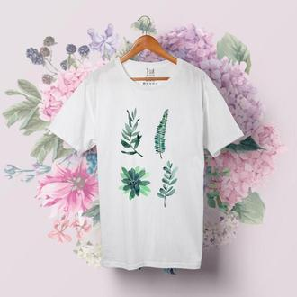 Белая футболка с растениями