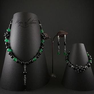 Комплект украшений из нефрита,агата и серебра 925 пр.