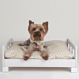 Деревянная кровать для собак