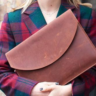 Рыжий кожаный чехол для ноутбука с росписью или тиснением