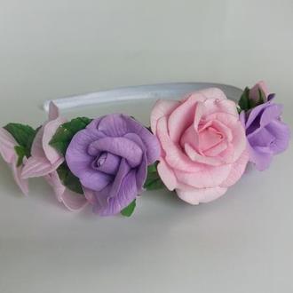 Обруч із трояндами і гортензією
