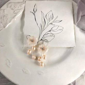 серьги с цветами и жемчугом