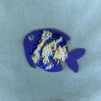 """Вышитая брошь """"Синяя рыбка"""""""