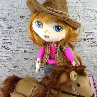 Кукла ковбой с лошадью