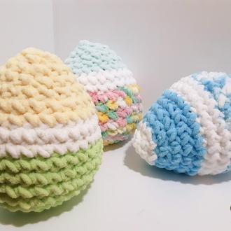 Пасхальное яйцо-подушка из плюшевой пряжи