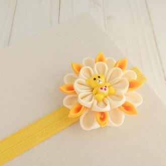 Желтая повязка для малышки на годик Украшение на голову на фотосессию Подарок девочке с цветком