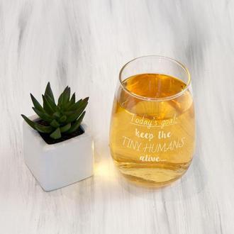 Винный стакан на подарок с лазерной гравировкой