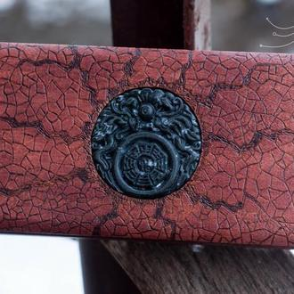 """Деревянная шкатулка с резным медальоном """"Medallion 4"""""""