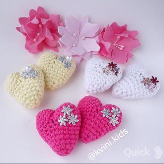 Резинки на хвостики в'язані сердечка