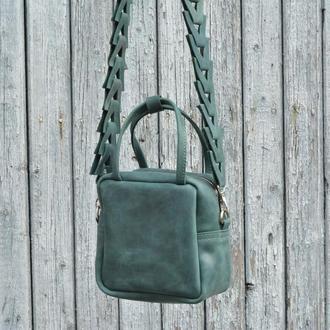 Кожаная сумочка через плечо. Зеленая маленькая кожаная сумочка.