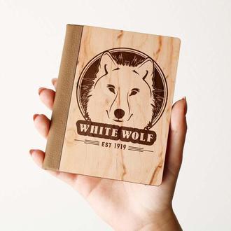 """Деревяная обложка на паспорт """"White Wolf"""", паспортная обложка, обложка для паспорта с дерева"""