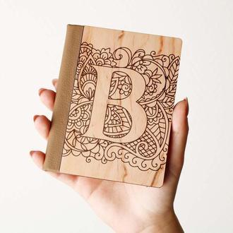 """Деревяная обложка на паспорт с инициалами """"B"""", паспортная обложка, обложка для паспорта с дерева"""