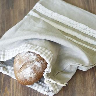 Льняной мешочек для хранения хлеба с хлопоковым кружевом.