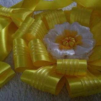 Бант на выписку из роддома желтый
